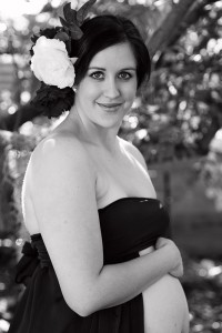 Black and White Maternity Photography by Samantha Bennett Photography